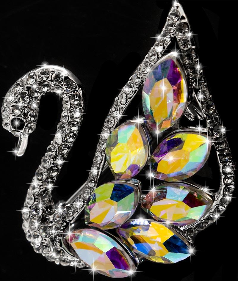 Brosche Schwan silberfarben mit bunten Kristallen als Federn und vielen weissen Strass Steinen BR055 oben 2