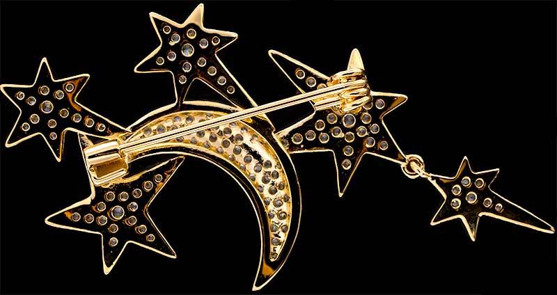 Brosche Mond und Sterne goldfarben mit vielen weissen Strass Steinen BR049 unten